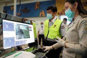 Кина гради огромен стационар за болни од корона вирусот
