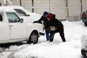 Техеран ги затвори училиштата поради обилниот снег