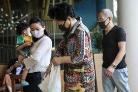 Две кинески провинции и градови наредија носење заштитни маски поради новиот коронавирус