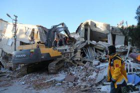 Грција е подготвена да и помогне на Турција по вчерашниот земјотрес