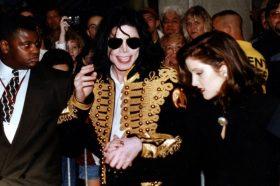 Ќерката на Елвис Присли прозборе за врската со Мајкл Џексон, во која влегла за да го спаси! (ФОТО)