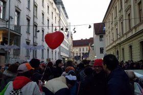 Неколку илјади граѓани маршираа во Љубљана против коалицијата на Јанша