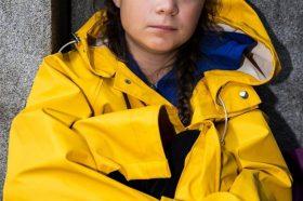 """Грета Тунберг ја нападнаа поради фотографија со контроверзен рапер: """"Како се осмелуваш""""? (ФОТО)"""