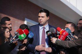 Баша: Оваа Влада има тенденција да го зграпчи Уставниот суд, со што прави државен удар