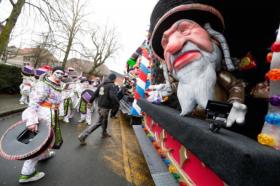 ЕК ги осудија антисемитските маски на карневалот во Белгија