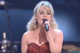 Познатата пејачка Дафи со денови ја дрогирале и ја силувале во заробеништво! (ФОТО)
