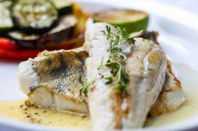 Само 120 грама од оваа риба буквално можат да ви го спасат животот