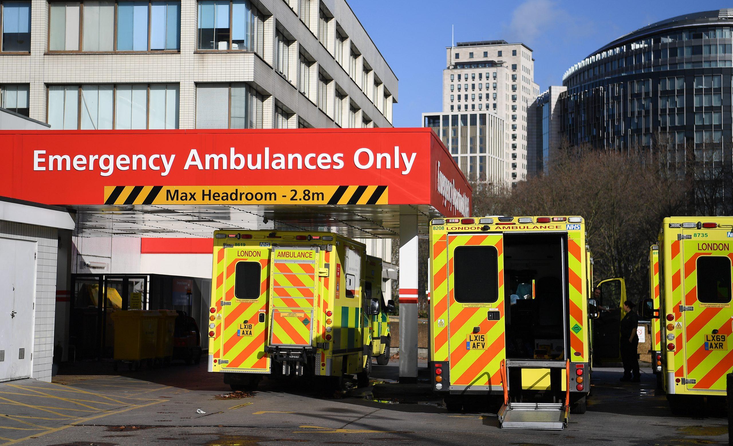 Во Велика Британија нови 377 смртни случаи од ковид-19 за 24 часа