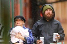 Од три врски доби три деца: Актерката Кејт Хадсон се надева дека ќе има уште прилики да раѓа деца! (ФОТО)