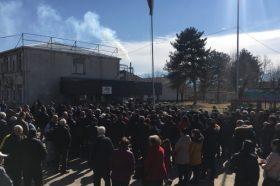 Граѓански протест во Кочани против загадувањето на воздухот од фабриката за хартија