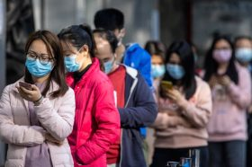 Јужнокорејскиот претседател побара зајакнување на економијата поради епидемијата на коронавирусот