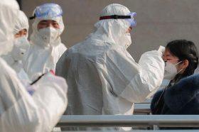Како Ковид-19 ги надмина еболата, САРС и МЕРС: Заразени се повеќе од 82 илјади луѓе во светот (ВИДЕО)