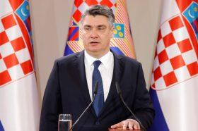 Милановиќ при заклетвата ја парафразирал култната белградска група ЕКВ