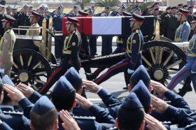Со воени и државни почести погребан поранешниот египетски претседател Мубарак