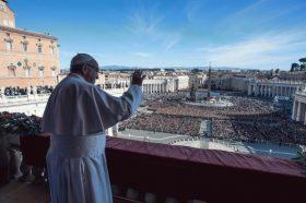 Откажани мисите ширум Италија: Папата Франциск се помоли за жртвите од коронавирусот