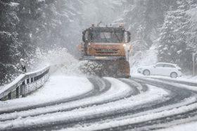 Забрана за камиони на патот Гостивар-Стража