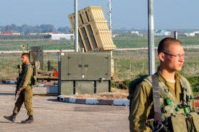 """""""Девојките"""" на Хамас ги хакираа телефоните на израелските војници (ФОТО)"""
