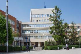 Седницата на косовскиот парламент за укинување на таксите за Србија закажана за понеделник