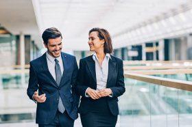 Хороскопски знаци кои најлесно паѓаат во искушение да стапат во љубовна врска со колега