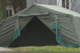 Во Подгорица превентивно поставени шатори поради коронавирусот
