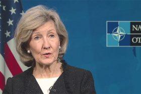 Хачинсон: Ќе се дискутира за активирање на членот пет на НАТО за ангажман во Сирија