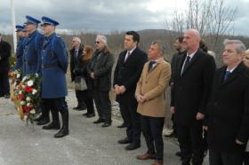 Министерот Адеми на чело на владината делегација на одбележување на годишнината од загинувањето на претседателот Трајковски во Мостар
