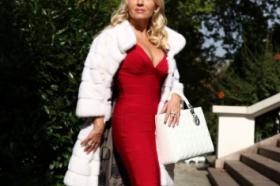 БЕЗ 30.000 ЕВРА НЕ ОДИ ВО ШОПИНГ – Запознајте ја српската Шерон Стоун: Живееше живот како од бајките, а потоа и се случија ДВЕ СТРАШНИ ТРАГЕДИИ (ФОТО)