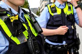 Започната истрага против десничарски политичари во Германија кои делеле расистички боенки