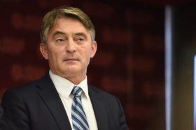 Комшиќ: Нека не се занесуваат со уцени, Република Српска нема да добие ништо од тоа што го бара