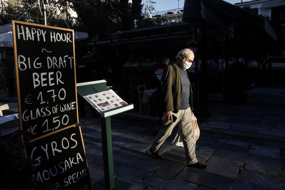Полициски час од полноќ до 5 часот наутро во Грција, над 2.000 нови случаи за еден ден