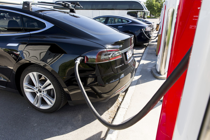 САД сакаат 40 отсо одавтомобилите да бидат електрични до 2030 година