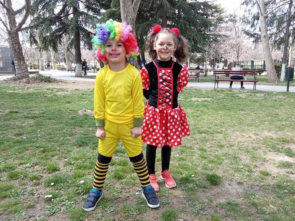маски, први април, деца, градинка