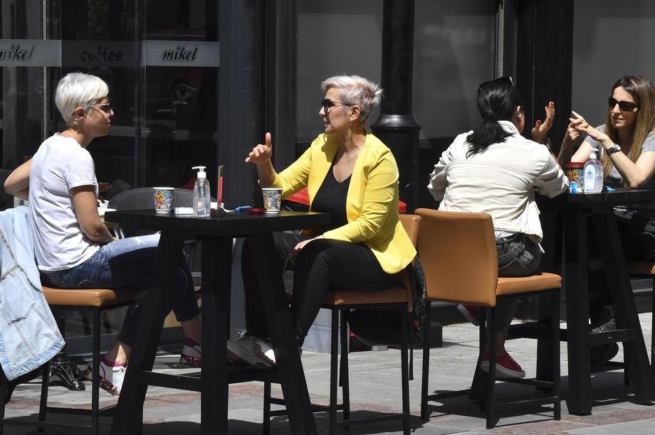 скопје луѓе ресторани кафичи угосители кафани
