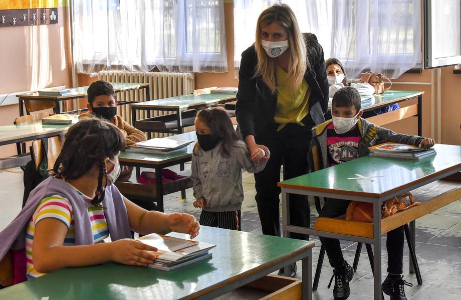 Македонија училиште ученици наставник професор