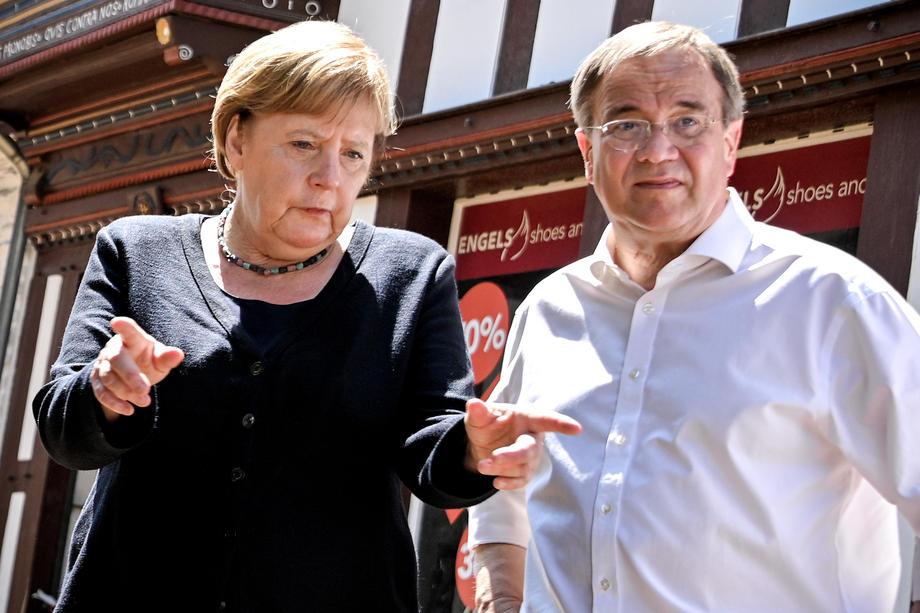 Ангела Меркел поплави во Германија