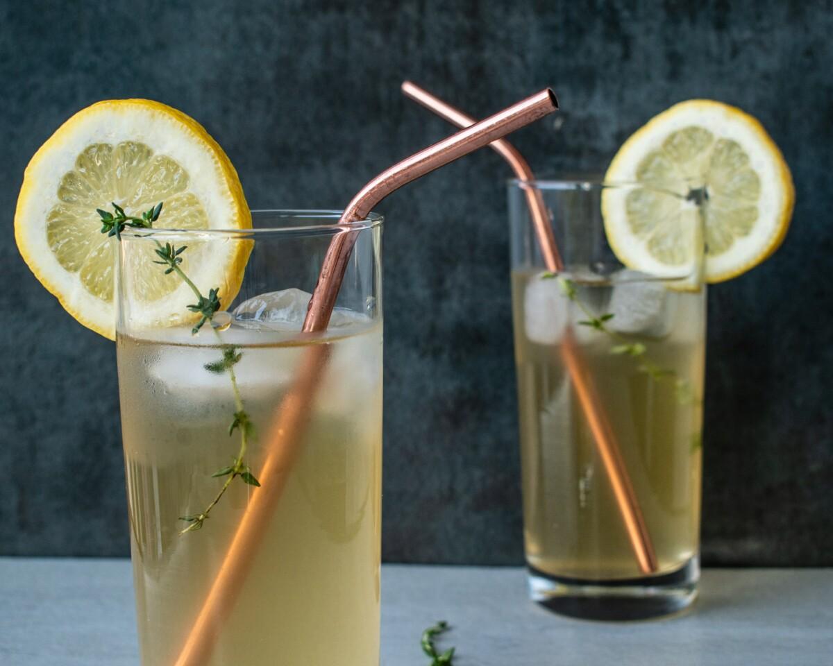 летни горештини разладување ладен пијалок