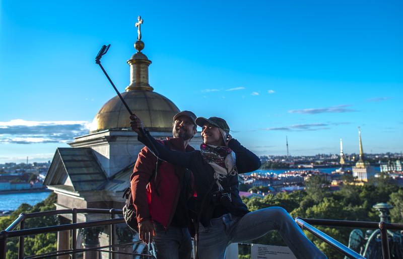 Санкт Петербург туристи