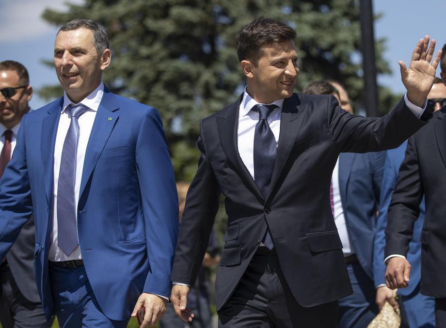 """Зеленски не знае кој стои зад нападот, но вети """"силен одговор"""""""