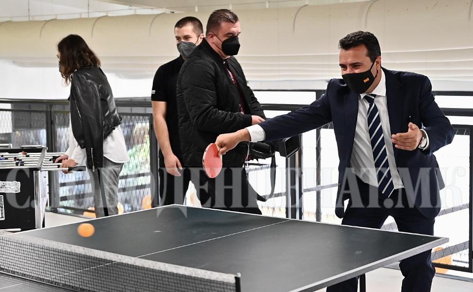 Зоран Заев пинг-понг