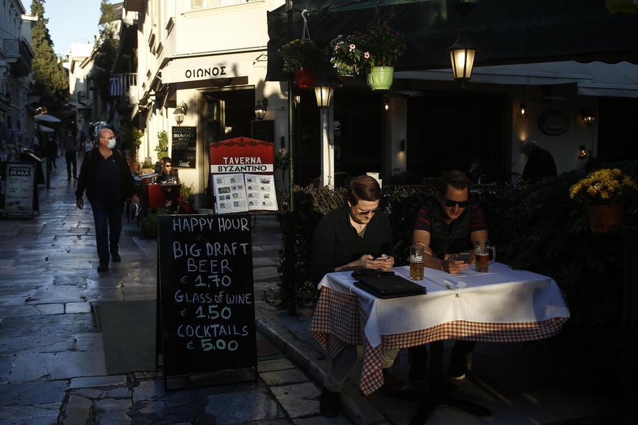Атина Грција ресторан ковид-19 коронавирус